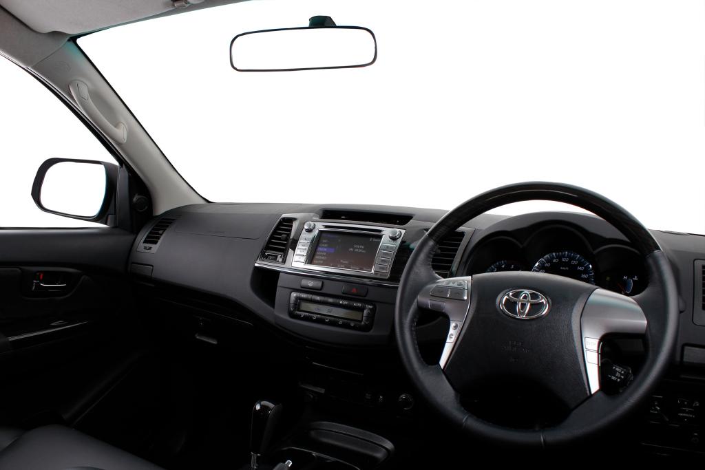 Toyota, Fortuner, Toyota Fortuner '2011–15, AutoDir