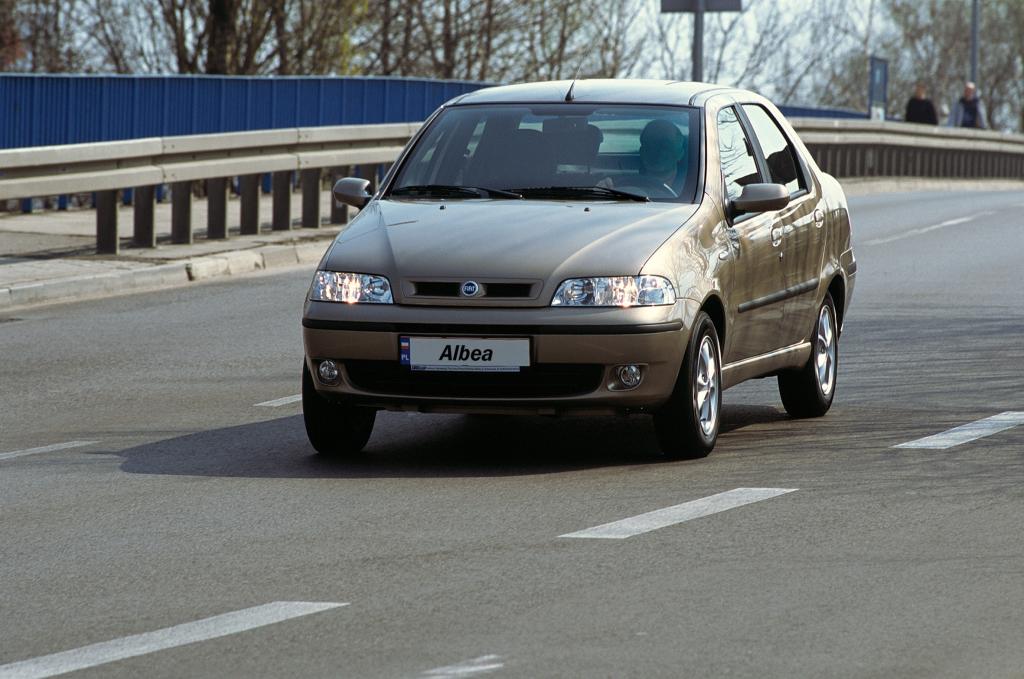 Fiat, Albea (178), Fiat Albea (178) '2002–05, AutoDir