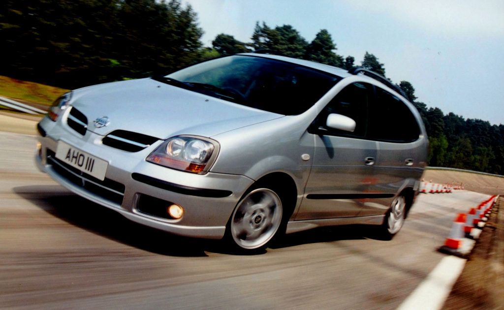 Nissan, Almera Tino [UK-spec] (V10), Nissan Almera Tino [UK-spec] (V10) '2000–03, AutoDir